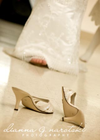 bride took her shoes off on the dance floor