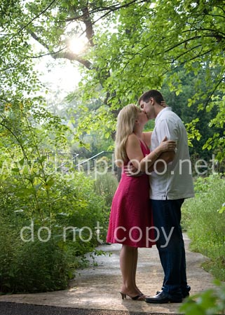 engagement photo at Inniswoods