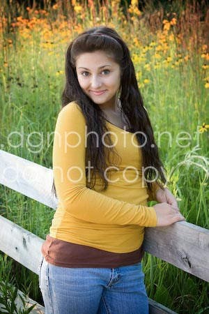 Senior pictures at Inniswoods