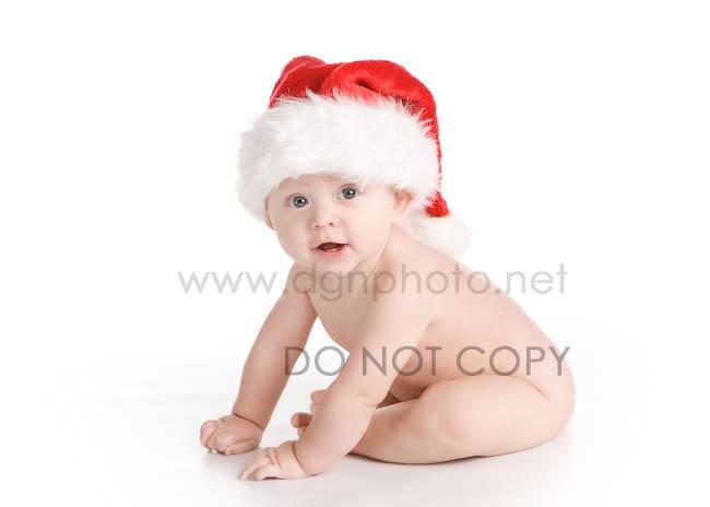 baby-in-santa-hat-007