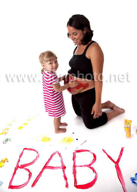 Big sis had a fun time finger painting with Mommy and the baby belly